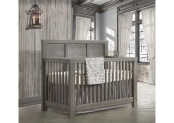 Natart Rustico 4-in-1 Convertible Crib Room in Owl