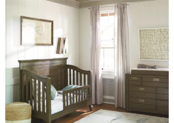 Varsity Crib with Toddler Rail Room View