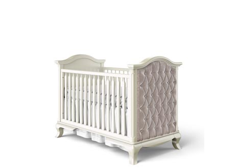 Cleopatra Classic Crib with Tufted Ends