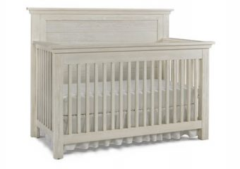 LUCCA FLAT TOP CRIB IN SEASHELL WHITE