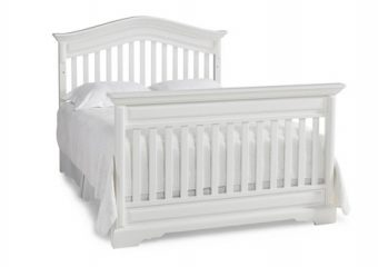 VENEZIA CRIB IN SNOW WHITE CONVERTED TO FULL BED